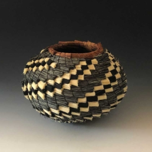 Tri-color stepped basket side