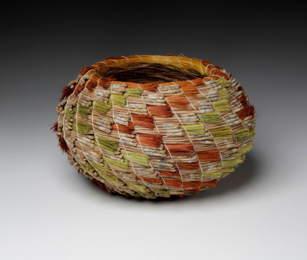 pine and leche basket